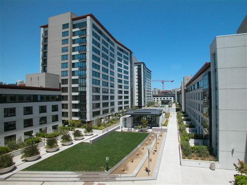The courtyard view from 260 King Street #751