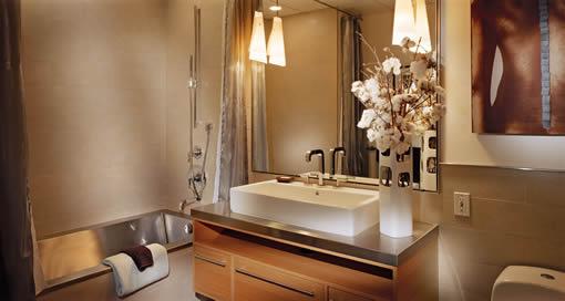 410 Jessie #902: Bath