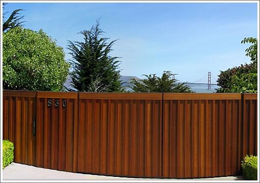 830 El Camino Del Mar: Front Gate