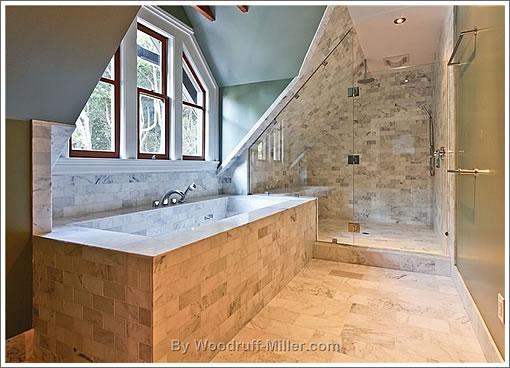601 Dolores: Bath