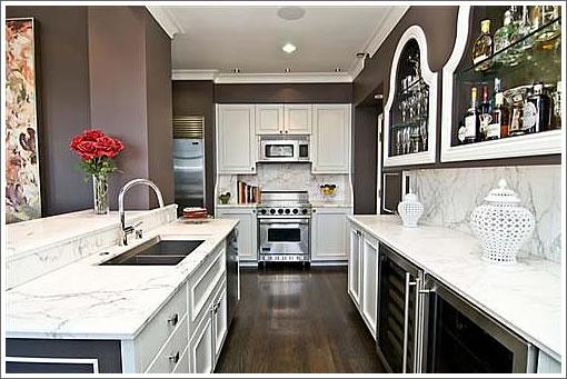 1101 Green Street #2001: Kitchen