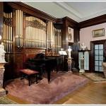 The <strike>Elephant</strike> Organ In The Room At Manse Elegante (3368 Jackson)
