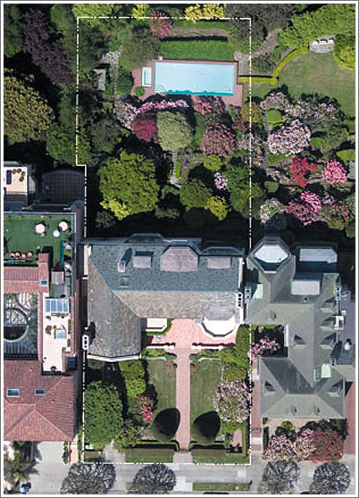2950 Broadway Pool Aerial