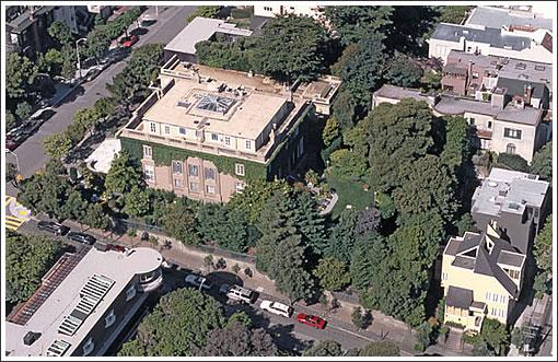 Le Petit Trianon (Image Source: lepetittrianon.com)