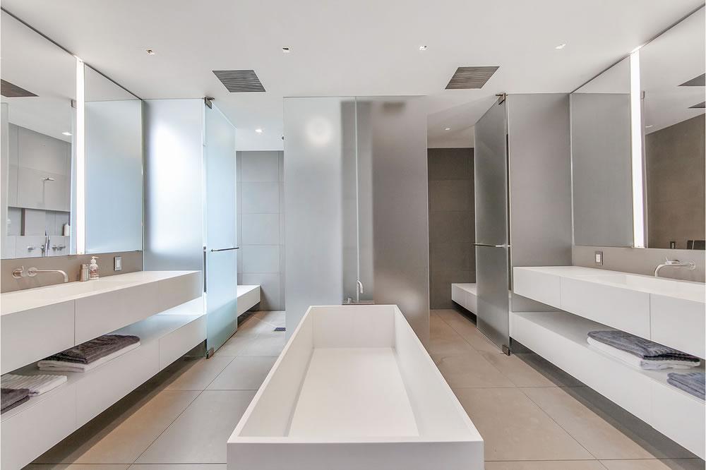 2555 Union Master Bath