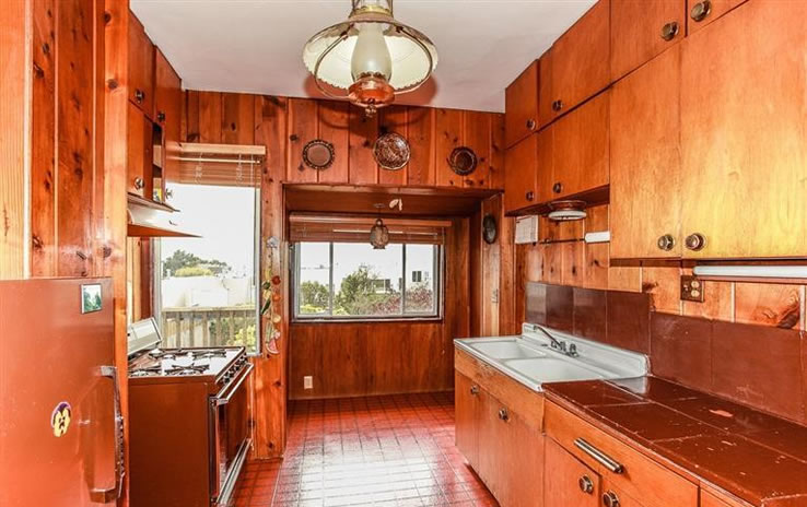 2447 26th Avenue Kitchen