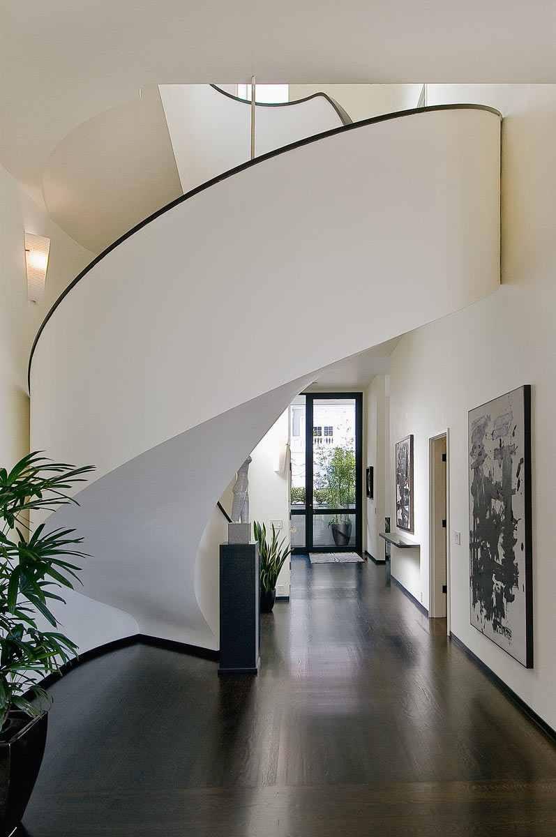 2610 Scott Street Staircase