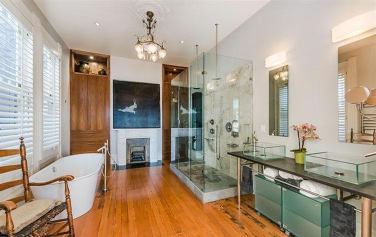 1120 South Van Ness Avenue Master Bath