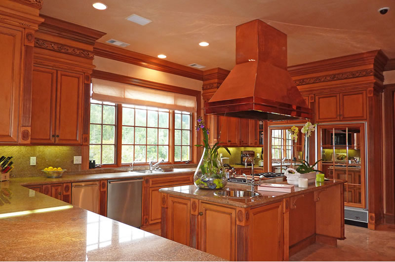 2900 Spring Mountain Road Kitchen