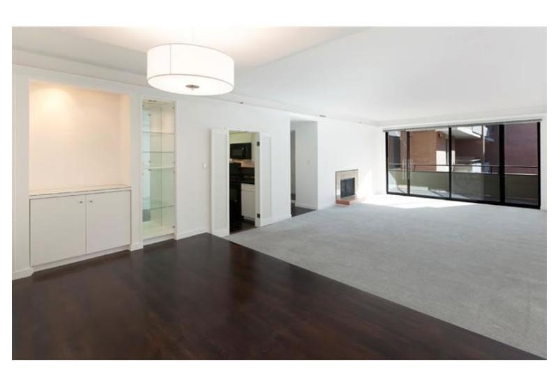 101 Lombard Street #812W Living
