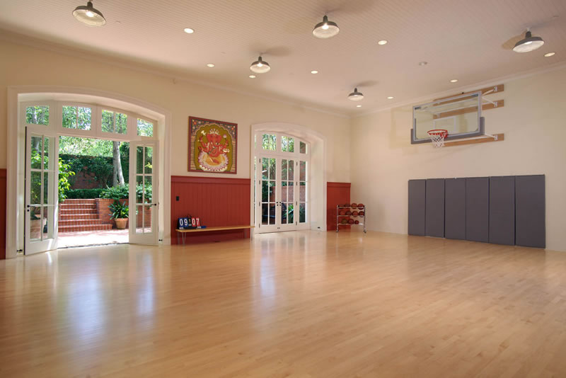 2701 Broadway 2015 Basketball Court