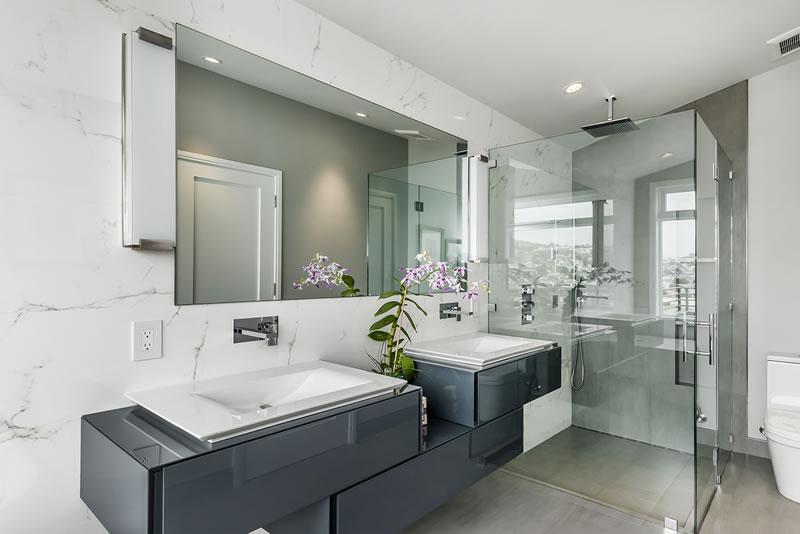 152 Elsie Master Bath