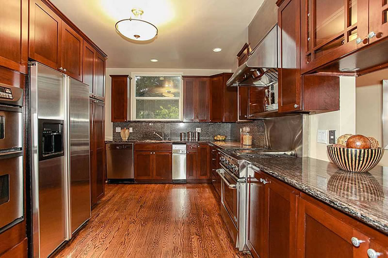 3159 Baker Kitchen