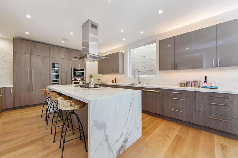 663 Marina Boulevard Kitchen