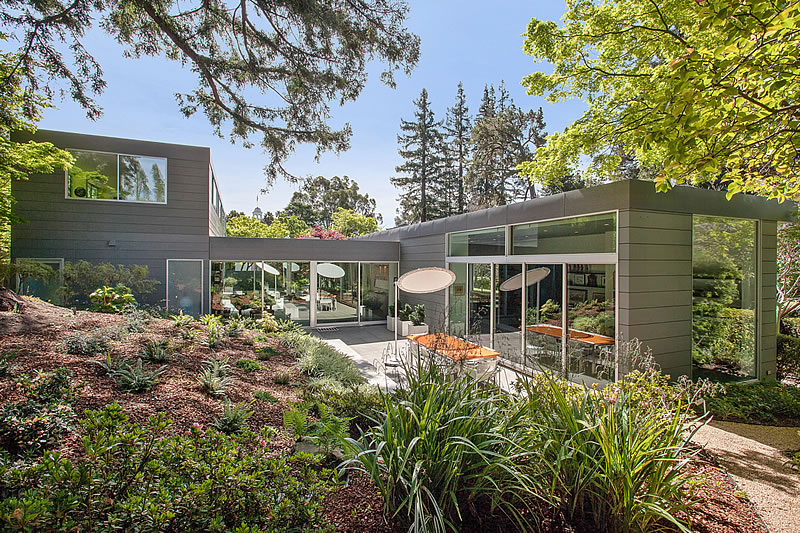 East Bay Modern Fetches $3.9M