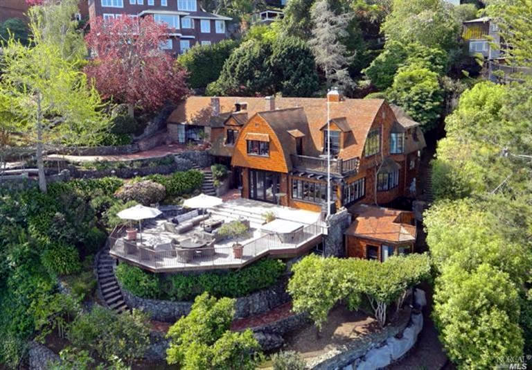 Former Summer Cottage Fetches $8.2 Million