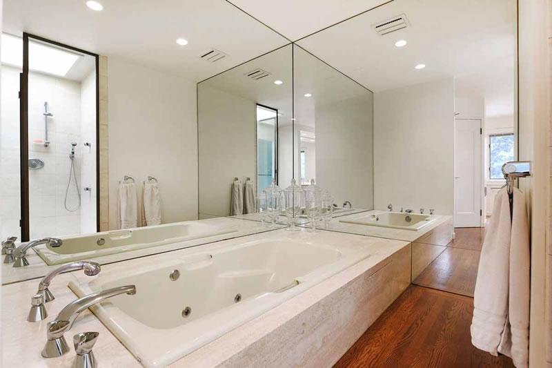 1208 Saint Charles Bathroom