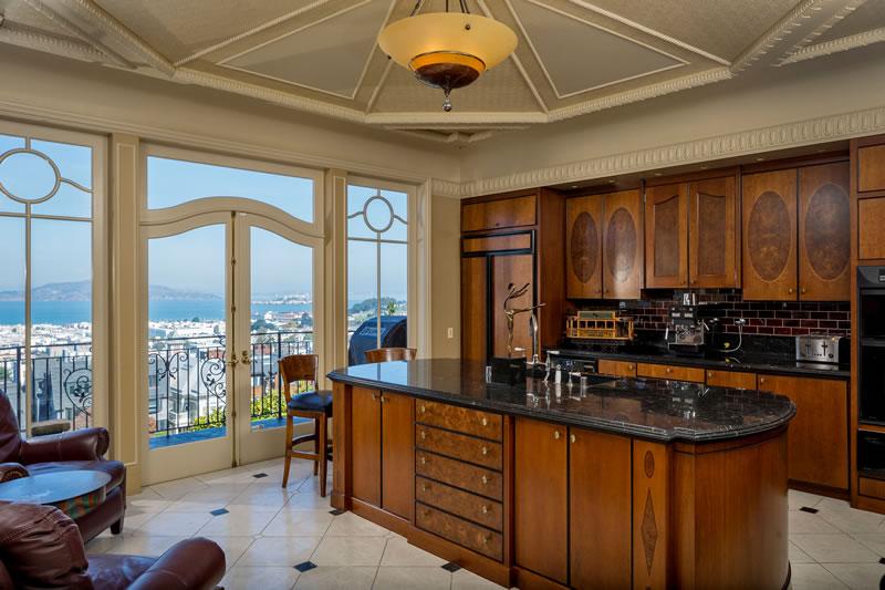 2520 Pacific Avenue Kitchen