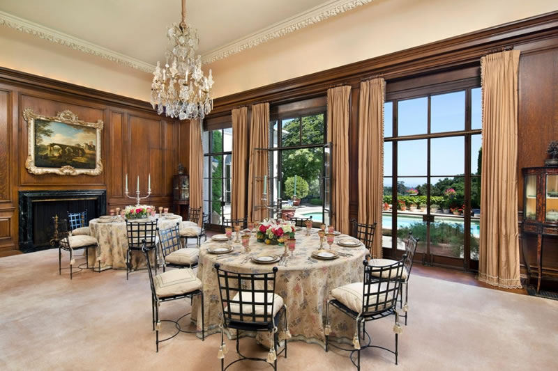 891 Crystal Springs Dining