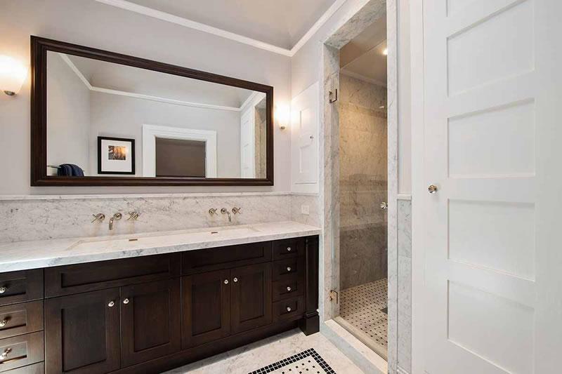 4334 19th Street Bathroom
