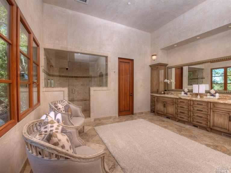 660 Goodhill Road Master Bath