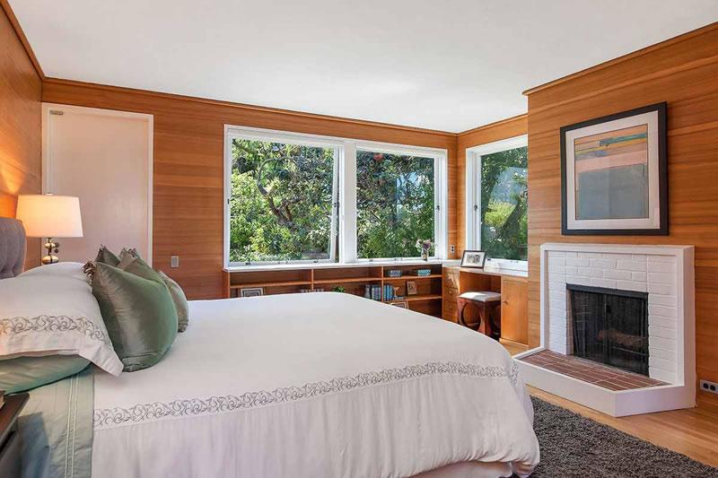 1641 Green Bedroom