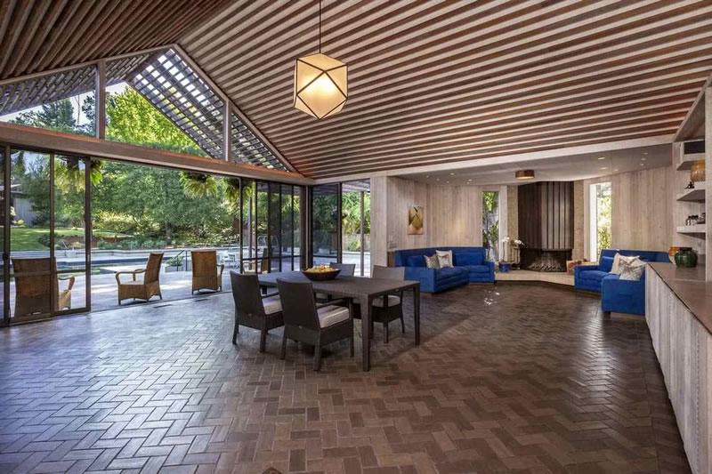 80 Reservoir Road Pool House