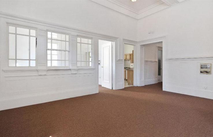 1676-1678 Newcomb Avenue Interior 2