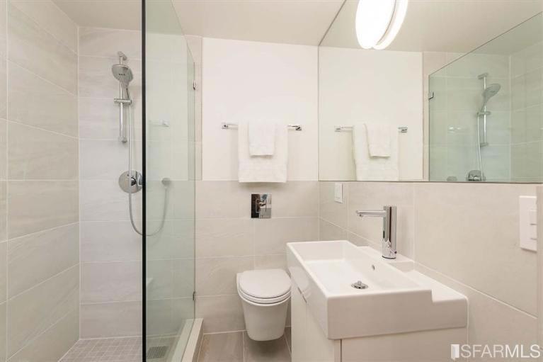 2817 24th Street Listing Bath