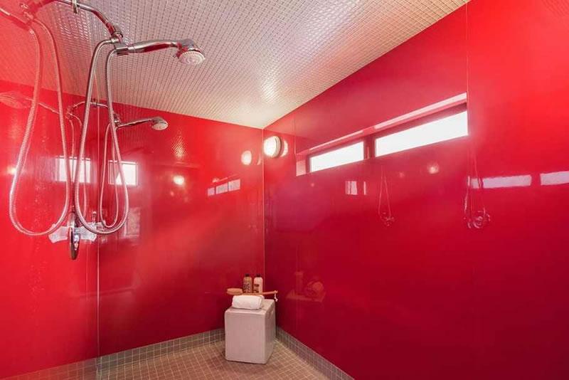 140 Laidley Bathroom