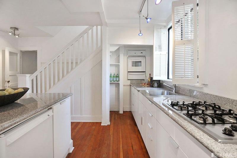 554 46th Avenue Kitchen