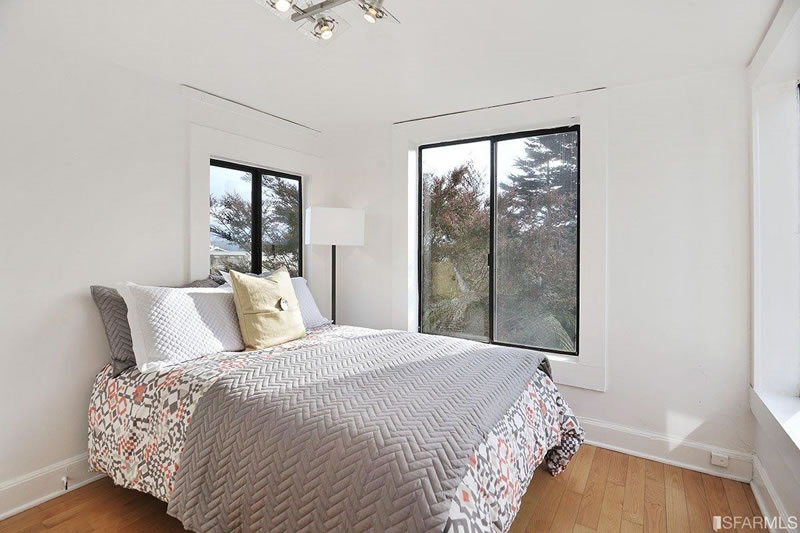 554 46th Avenue Master Bed