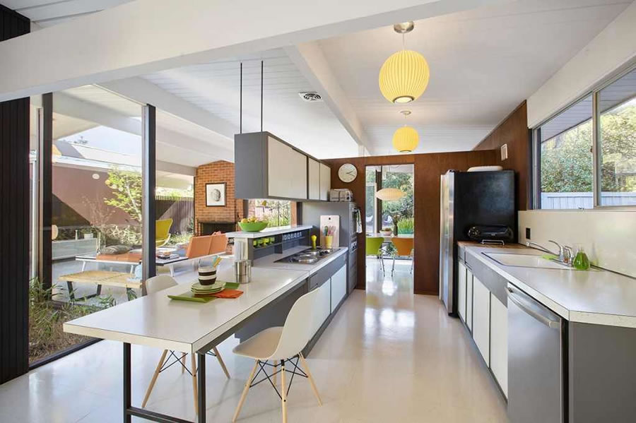 Museum Quality Eichler Touted for Its Bones