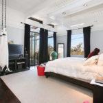 A Merry Master Bedroom on Robinhood Drive