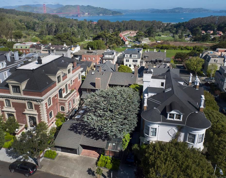 Wurster Designed Infill on a Former Tennis Court for $7.5M