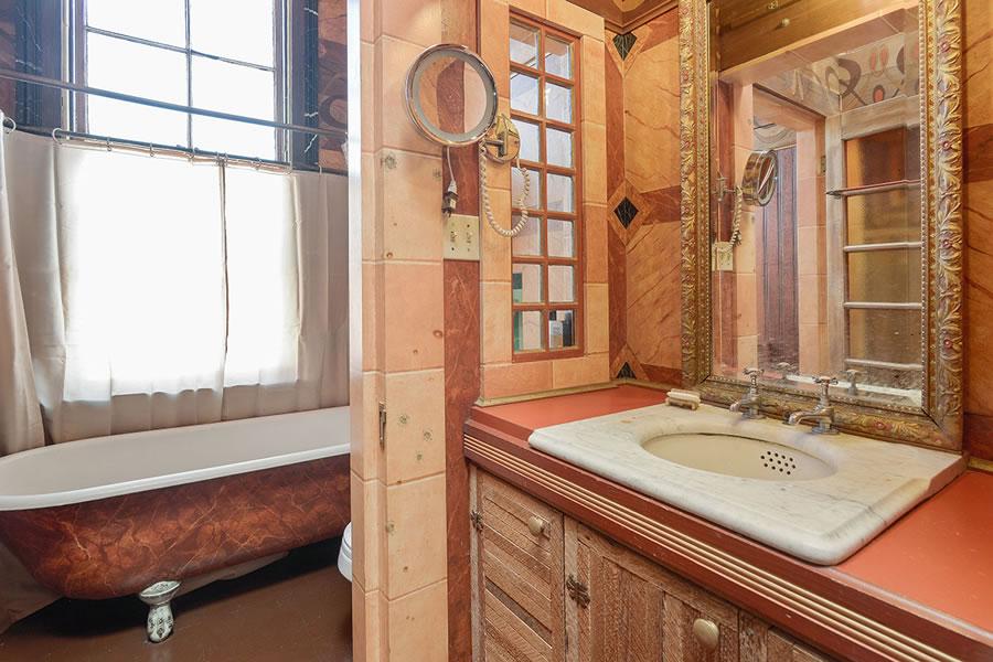 3753 17th Street Bath