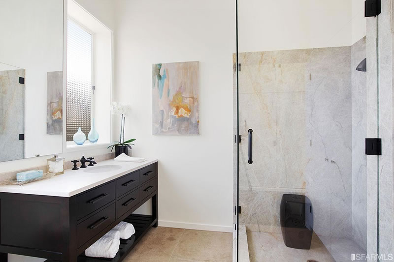 2610 Scott Street 2016 - Bathroom