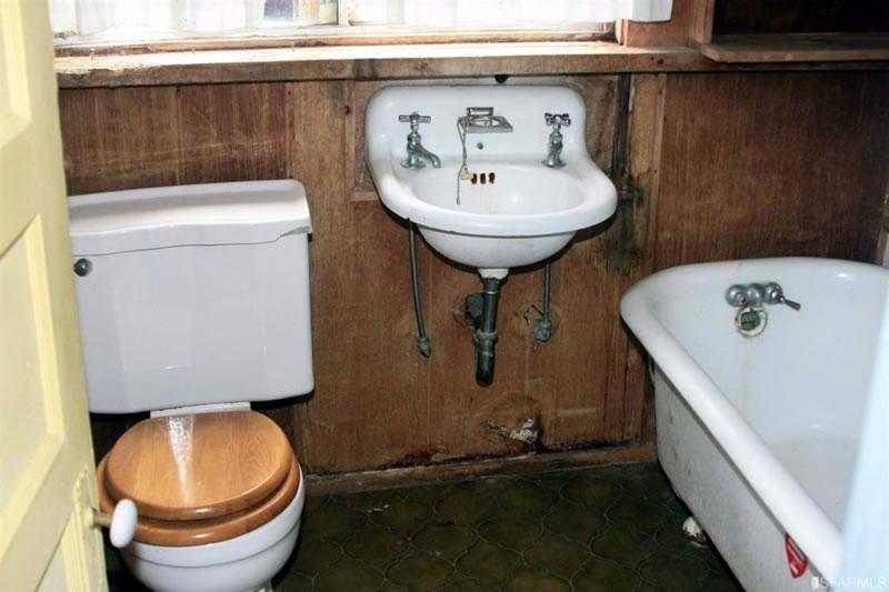 54-56 Cook Street Bathroom