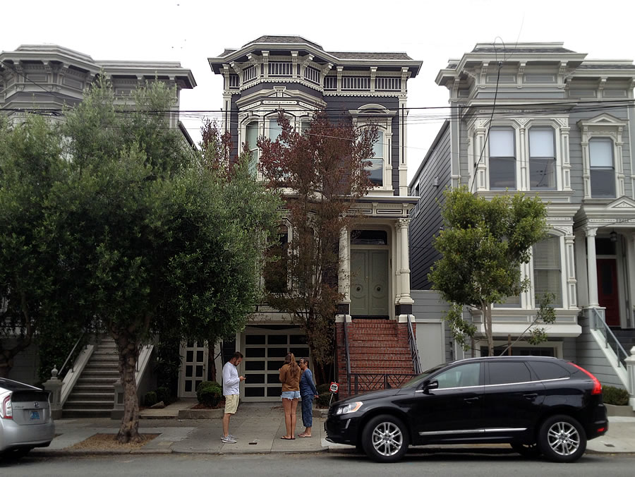 1709 Broderick Street: The Full House Facade