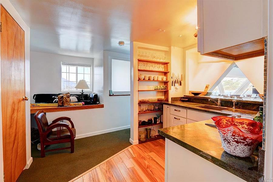 59 Issaquah Dock Kitchen 1