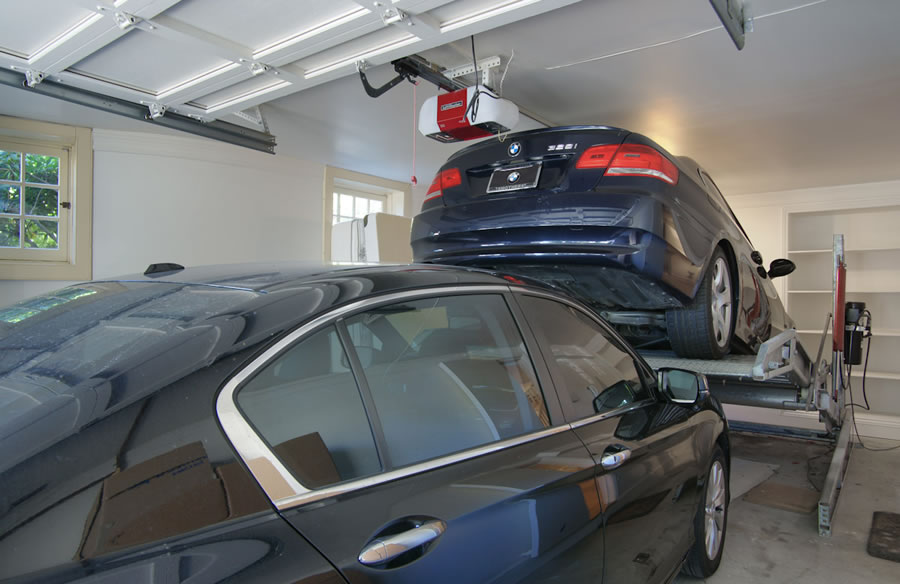 2640 Steiner Street Garage