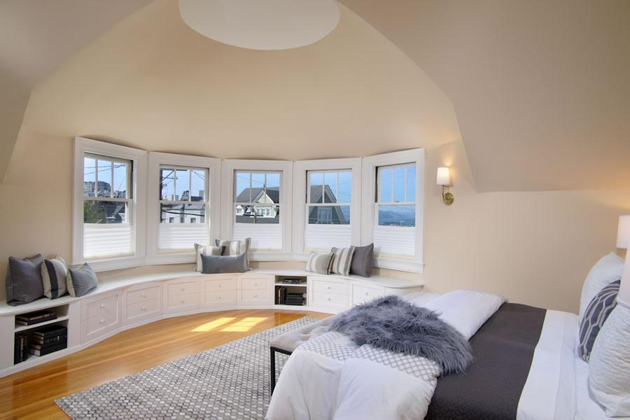 2640-steiner-street-master-bedroom
