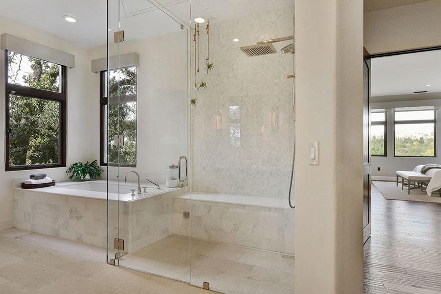 620-sugarloaf-court-master-bath