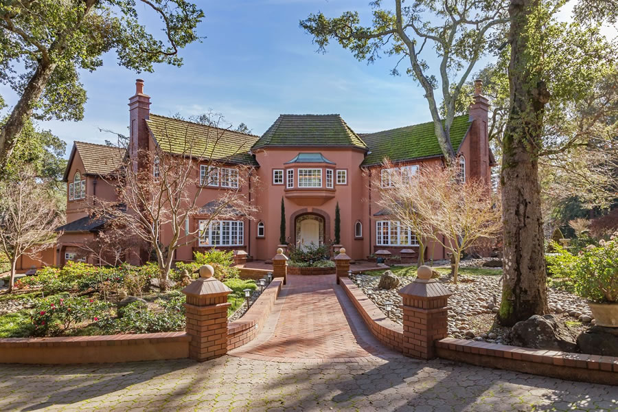 $47.5 Million Woodside Estate Fetches Under $10 Million at Auction