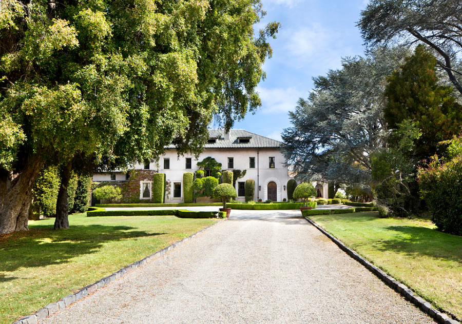Massive Silicon Valley Estate Sells for 30 Percent of Original Price