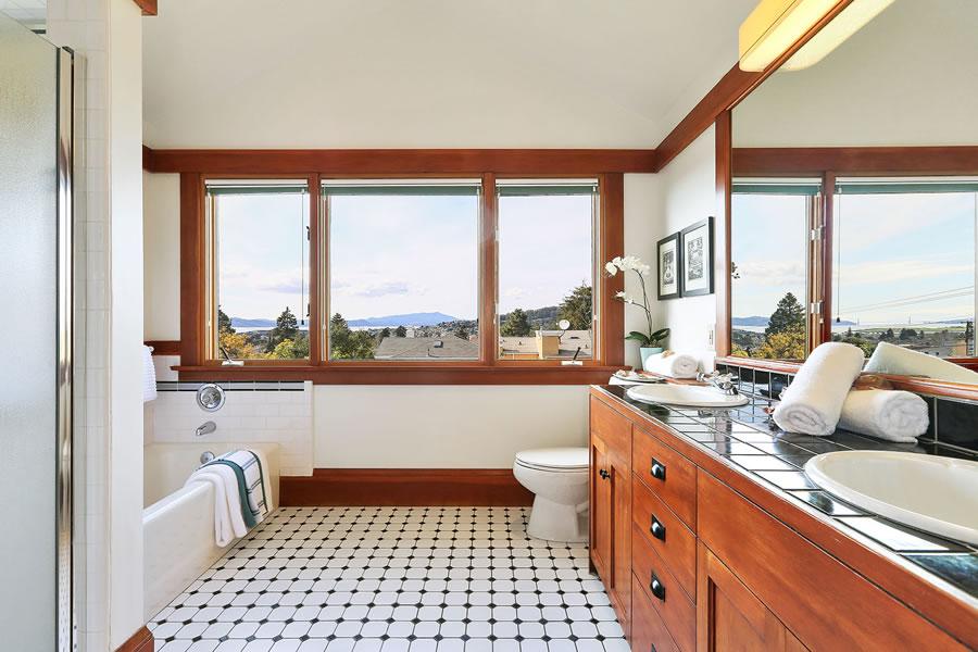 1613 Sonoma Avenue Bath