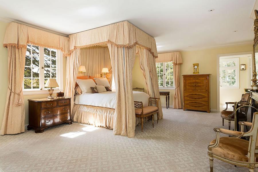 395 Hampton Road Bedroom