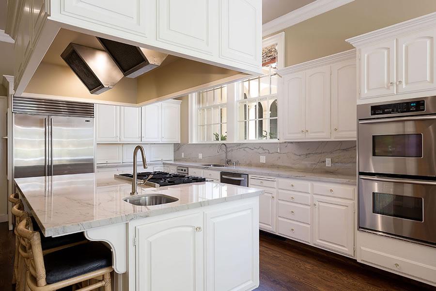395 Hampton Road Kitchen