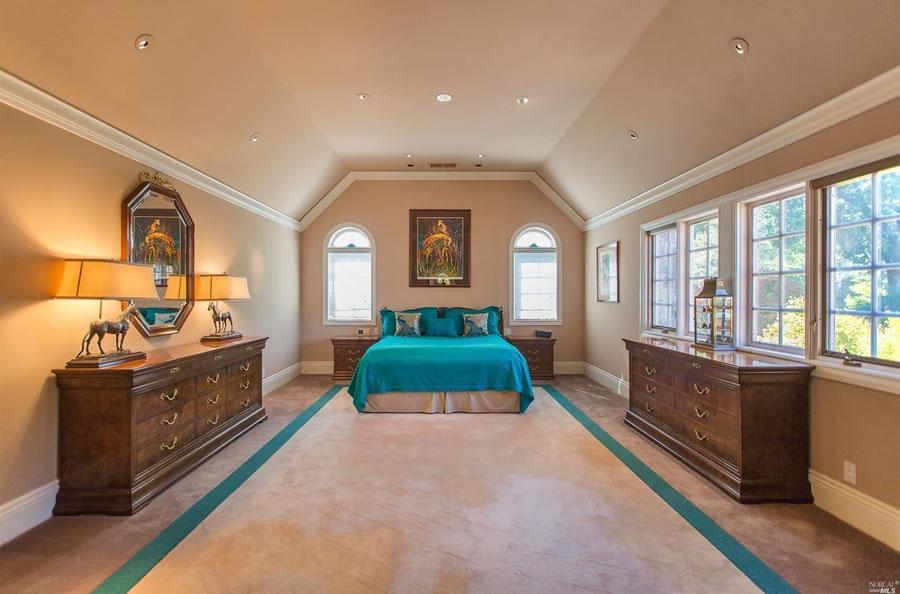 700 Kings Mountain Road Bedroom