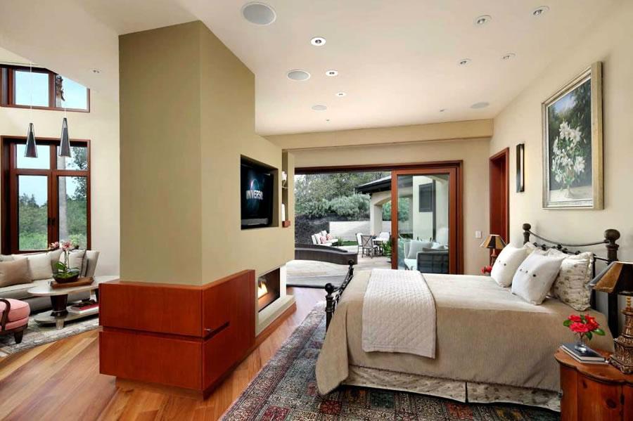 27500 La Vida Real Bedroom